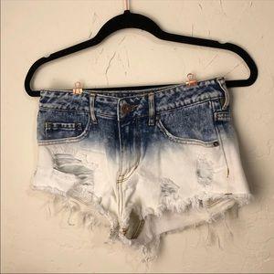 bullhead shorts distressed & bleached